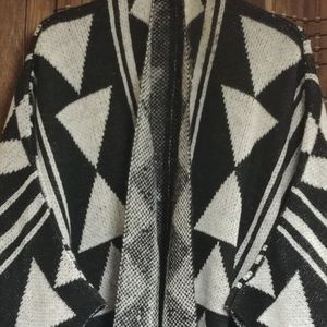 Charlotte Russe Sweaters - CHARLOTTE RUSSE (poncho)